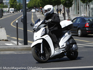 Kymco 300 People GTI : star au quotidien