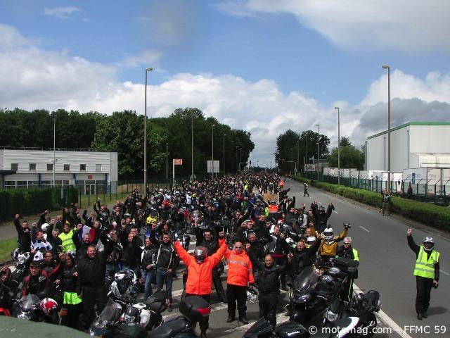 manifestation lille 5000 motards dans la capitale du moto magazine leader de l. Black Bedroom Furniture Sets. Home Design Ideas