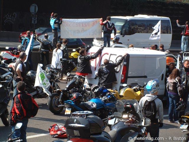 manif moto 24 mars nevers 1500 motards pour une autre moto magazine leader de l. Black Bedroom Furniture Sets. Home Design Ideas