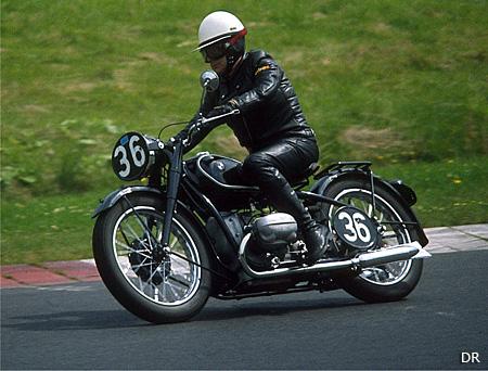 les coupes moto l gende f tent les 90 ans de bmw moto magazine leader de l actualit de la. Black Bedroom Furniture Sets. Home Design Ideas