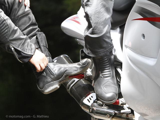 Conso : 12 paires de bottes touring moto à l'essai Moto