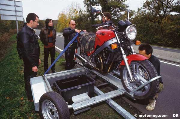 la moto en remorque et l 39 assurance moto magazine leader de l actualit de la moto et du motard. Black Bedroom Furniture Sets. Home Design Ideas