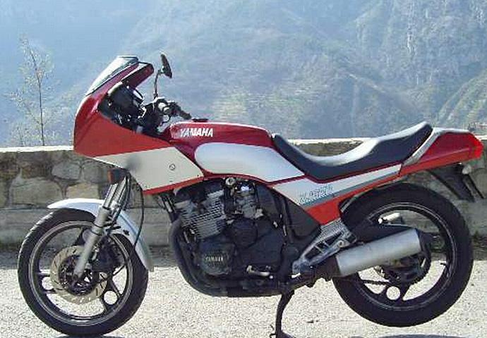 yamaha 600 xj 1984 91 la petite sport gt moto magazine leader de l actualit de la moto. Black Bedroom Furniture Sets. Home Design Ideas