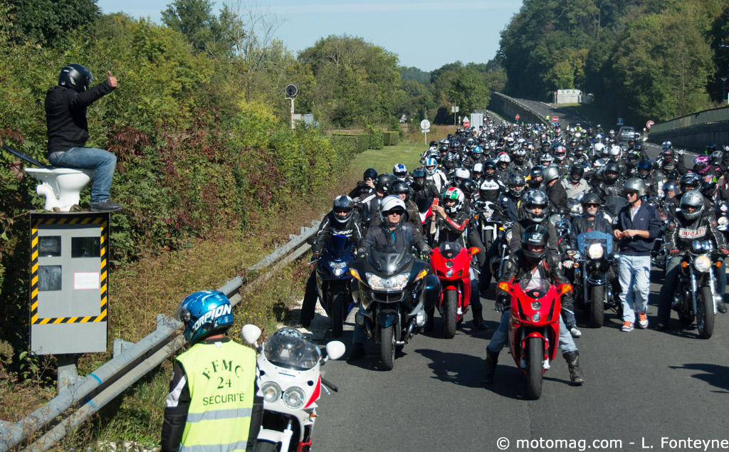 dordogne les motards en col re manifestent contre les moto magazine leader de l. Black Bedroom Furniture Sets. Home Design Ideas