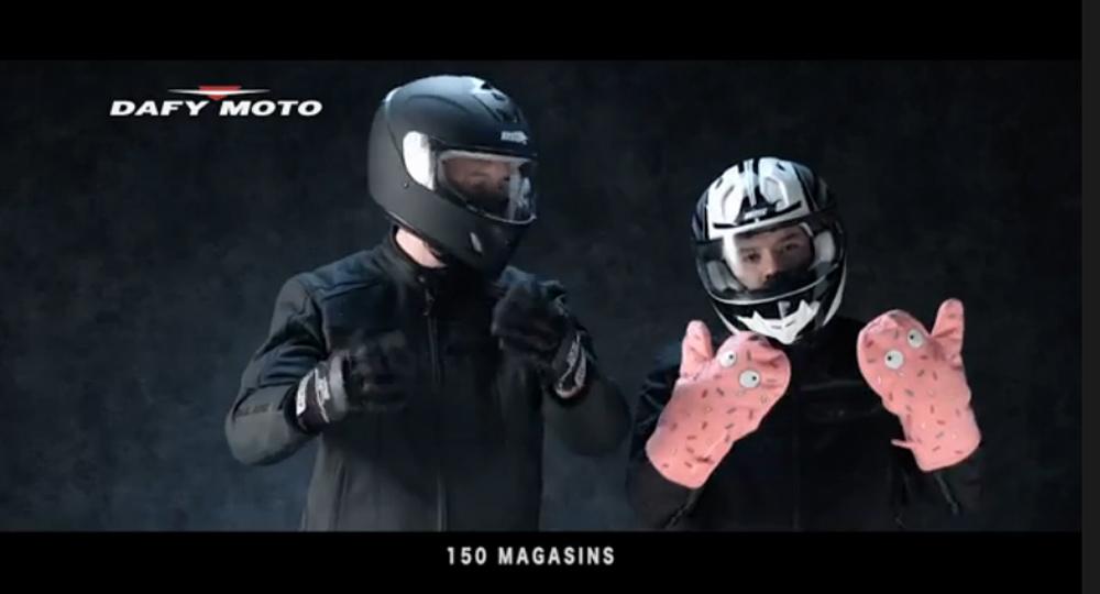 pub t l dafy moto joue la carte de l humour moto magazine leader de l actualit de la. Black Bedroom Furniture Sets. Home Design Ideas