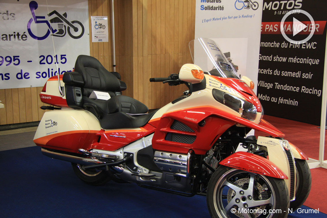 salon moto de paris la honda goldwing 3 roues comme un moto magazine leader de l. Black Bedroom Furniture Sets. Home Design Ideas