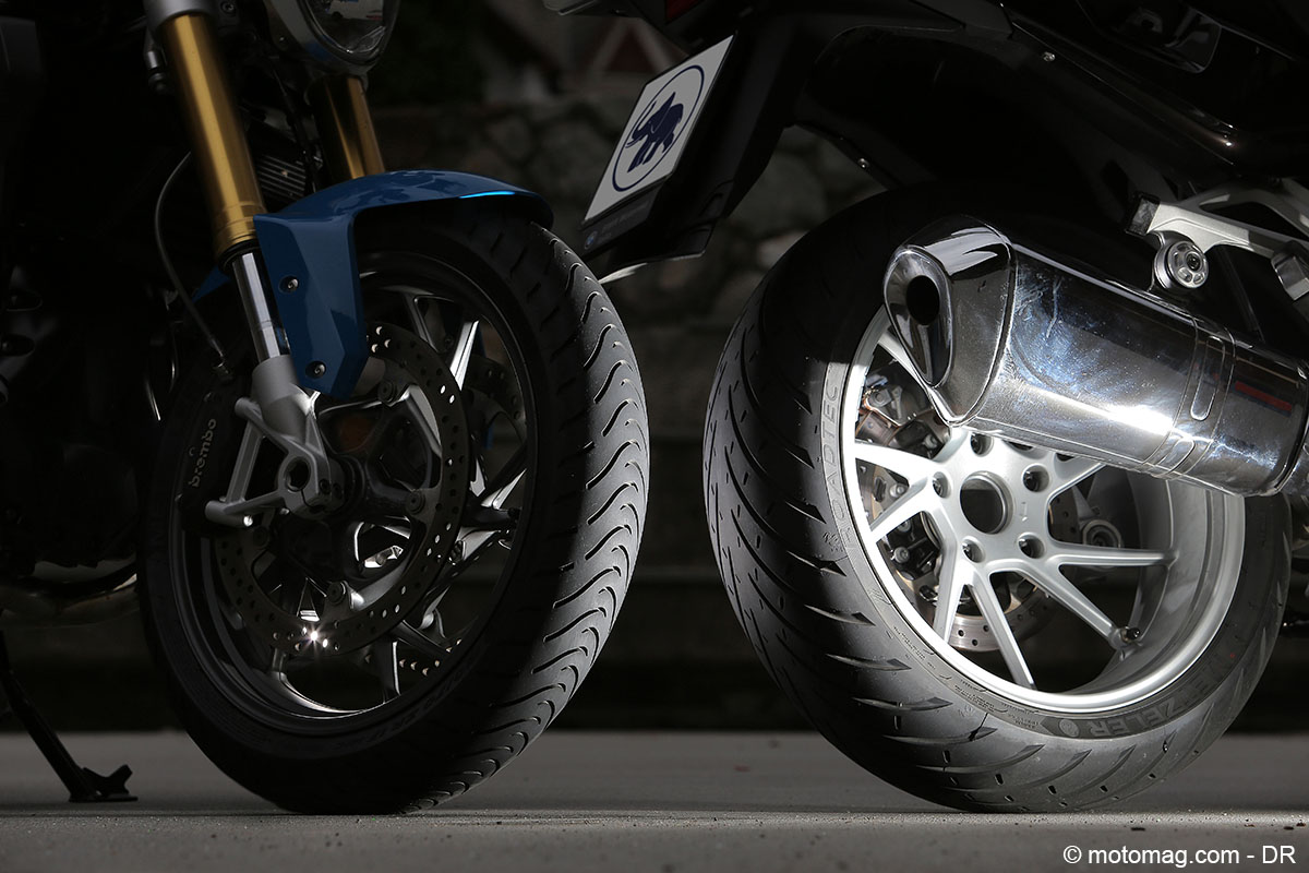 nouveaut pneu moto essai exclusif du metzeler roadtec. Black Bedroom Furniture Sets. Home Design Ideas
