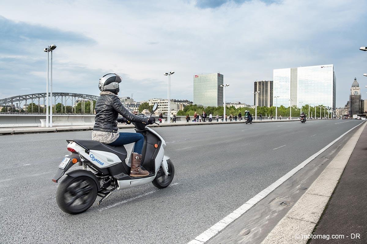 les scooters lectriques en libre service arrivent moto magazine leader de l. Black Bedroom Furniture Sets. Home Design Ideas
