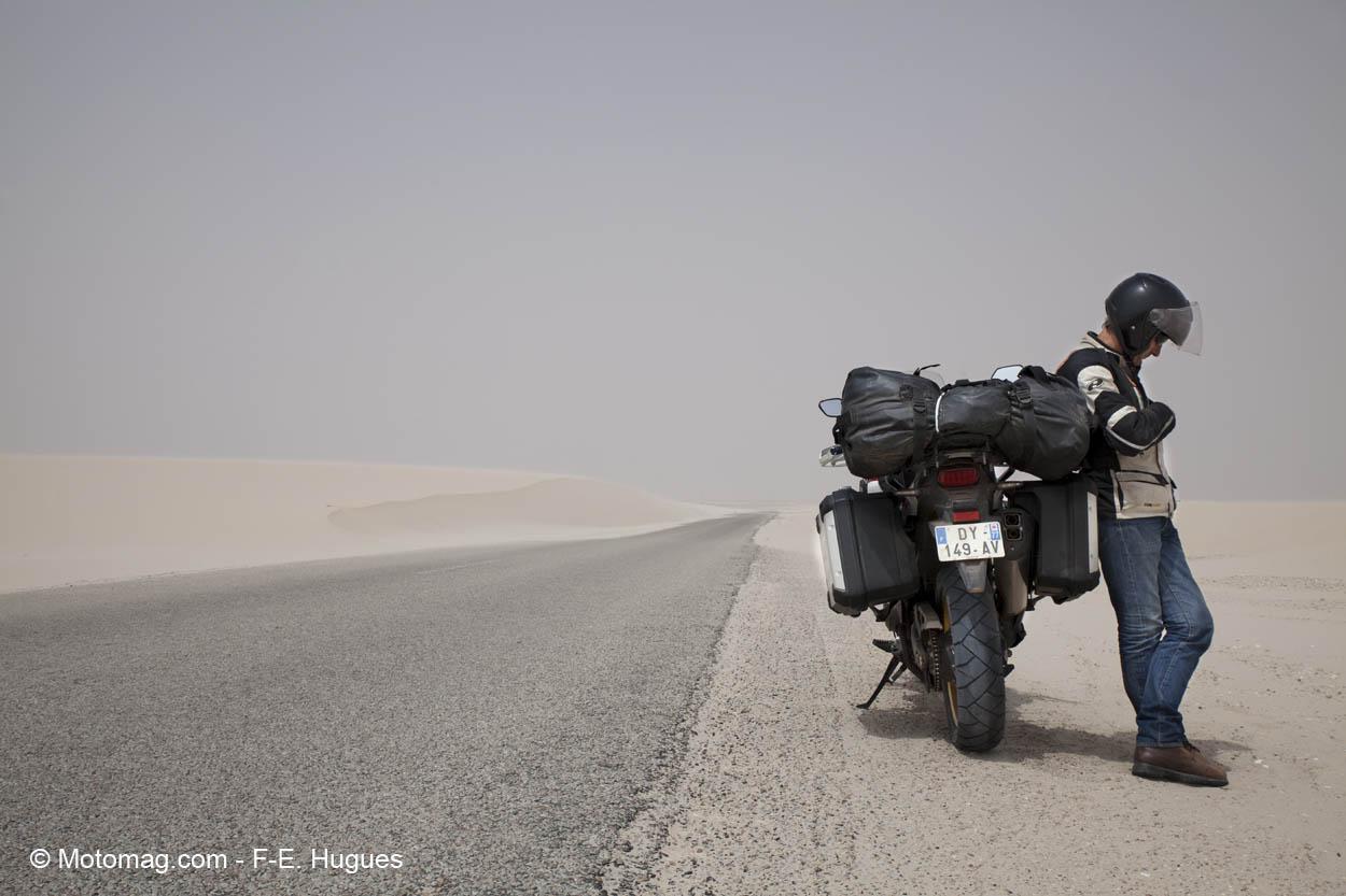 Honda Accord Forum >> Traversée du désert : la Honda Africa Twin en (noir et ...
