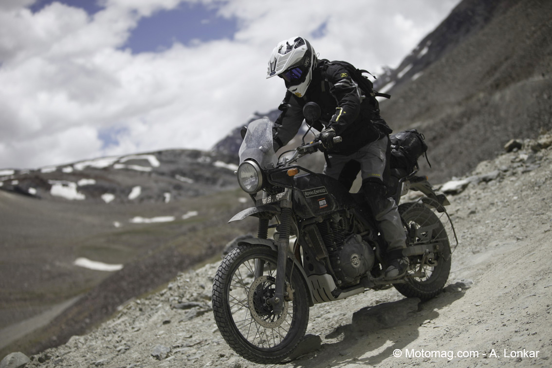 royal enfield himalayan l 39 essai exclusif dans moto moto magazine leader de l. Black Bedroom Furniture Sets. Home Design Ideas