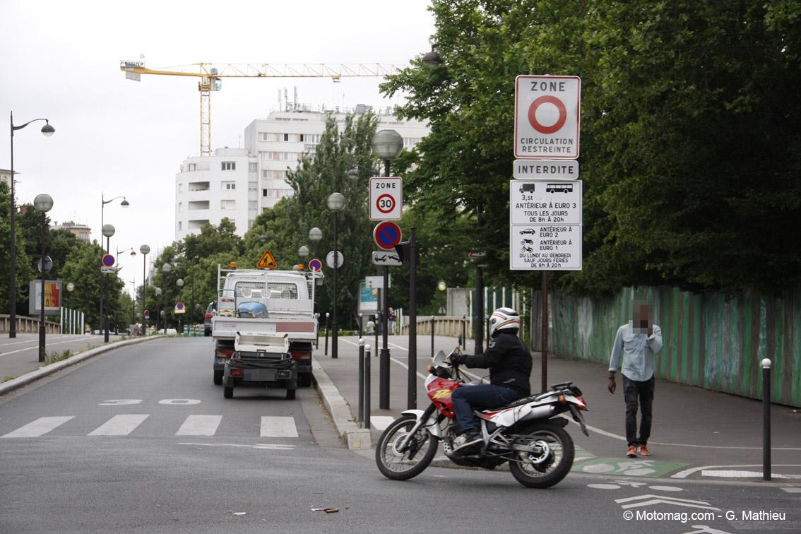 restrictions de circulation la mairie de paris annonce le moto magazine leader de l. Black Bedroom Furniture Sets. Home Design Ideas
