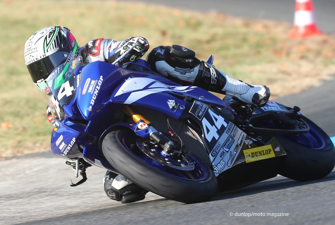 Nouveautés pneus 2017 : Dunlop mise sur la moto sportive, le (...) - Moto Magazine - leader de l ...