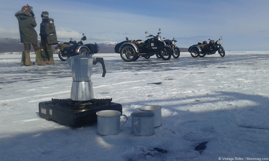 Frozen ride : road trip en side-car en Mongolie avec (...)