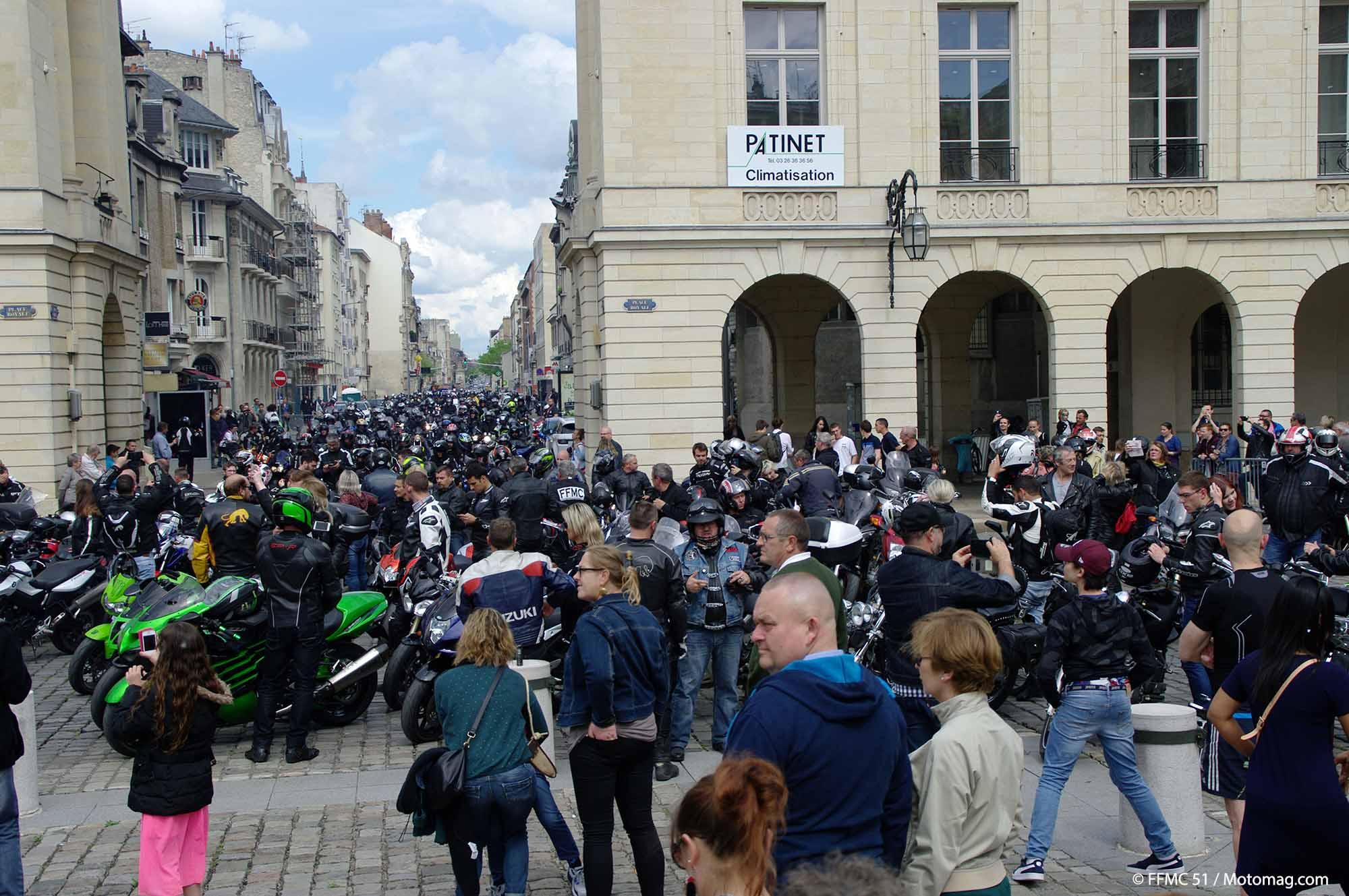 ffmc 51 1 200 motards d ferlent sur reims moto magazine leader de l actualit de la moto. Black Bedroom Furniture Sets. Home Design Ideas