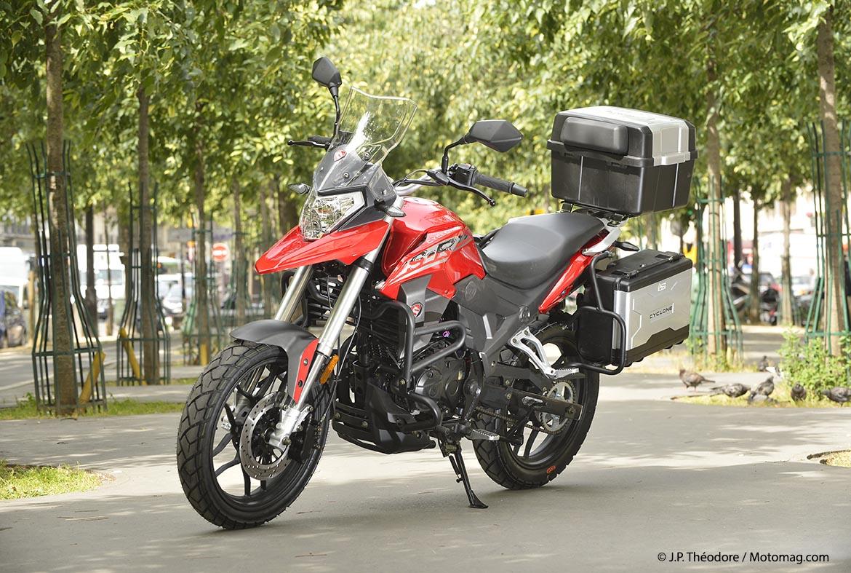 moto 125 cyclone le retour de zongshen moto magazine leader de l actualit de la moto et. Black Bedroom Furniture Sets. Home Design Ideas