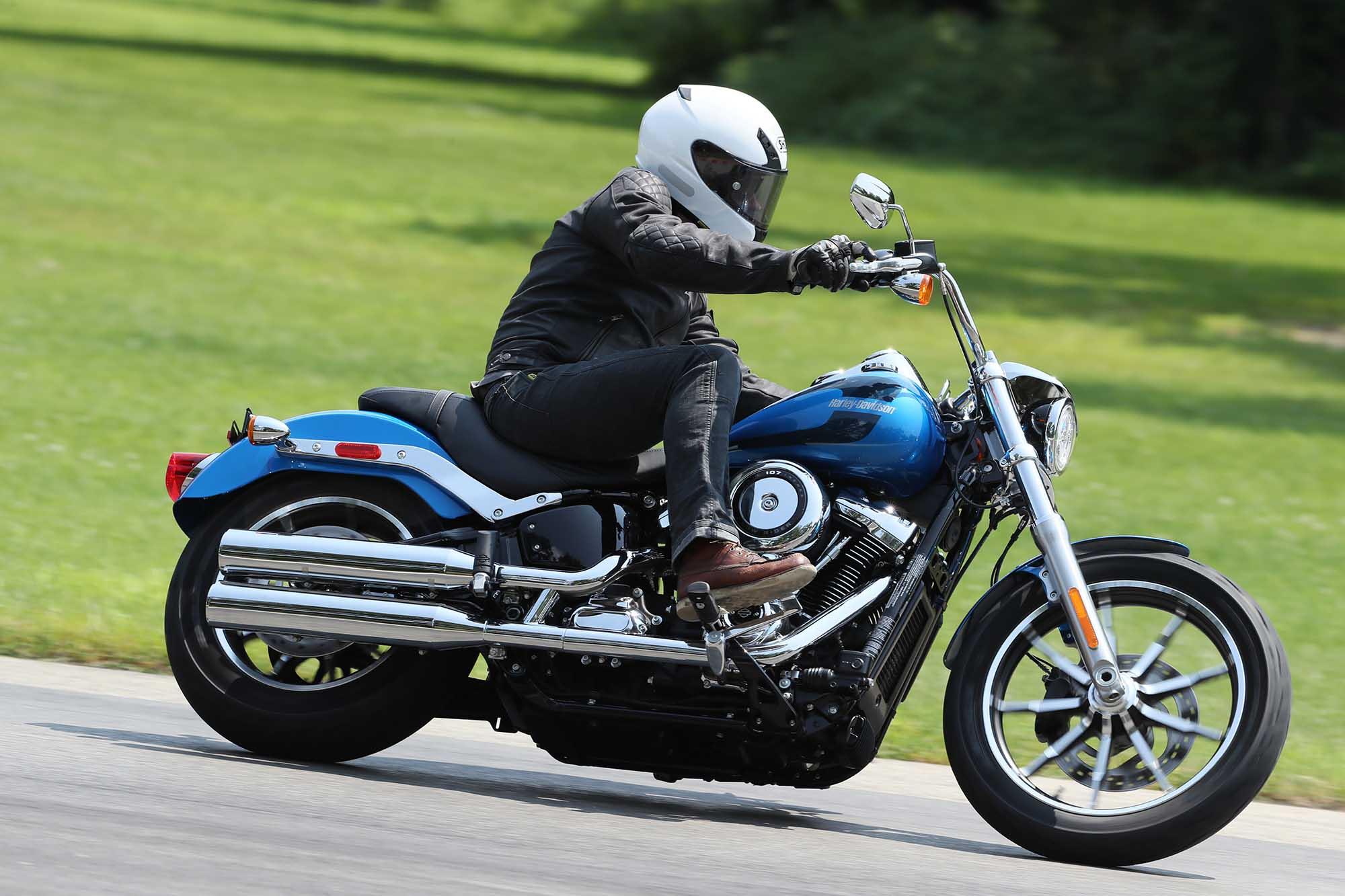 harley davidson softail low rider en baisse moto. Black Bedroom Furniture Sets. Home Design Ideas