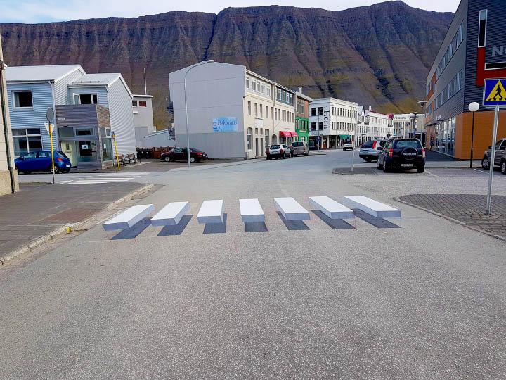 Passage piéton 'street art' Arton33557