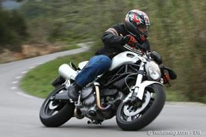 ducati 696 monster moto magazine leader de l actualit de la moto et du motard. Black Bedroom Furniture Sets. Home Design Ideas