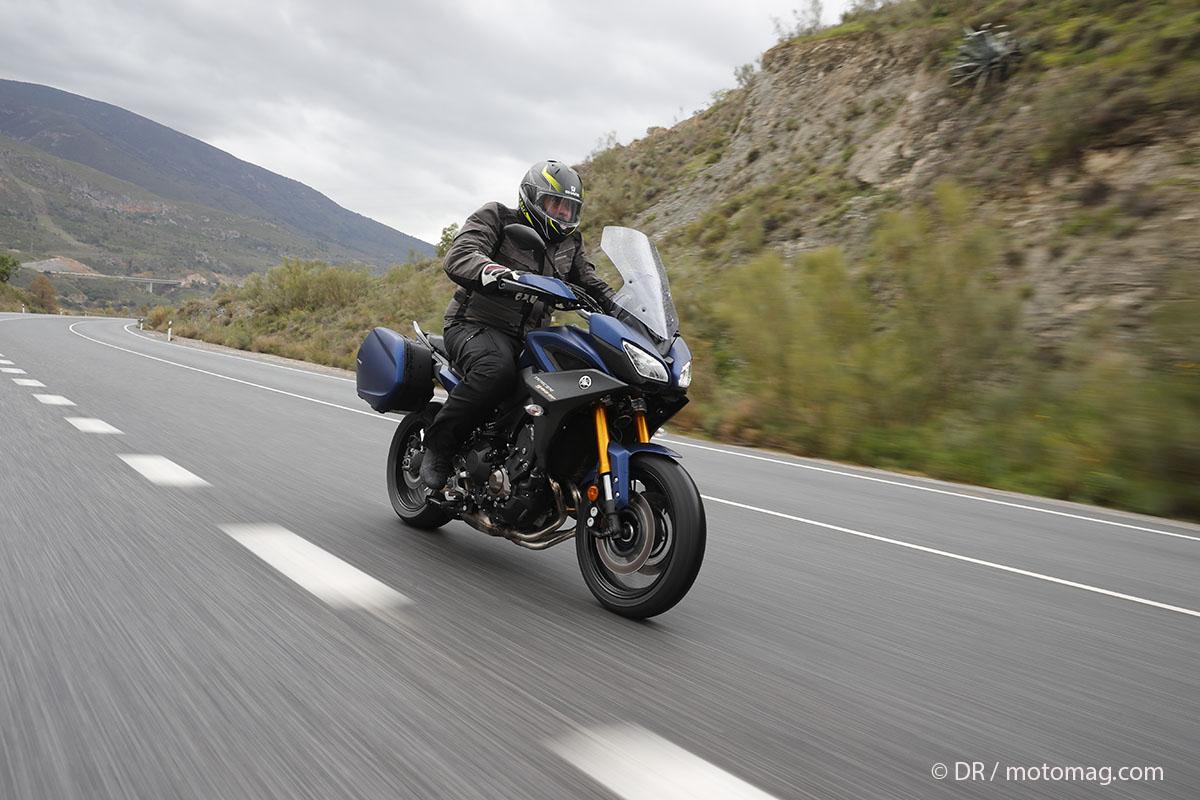 essai yamaha tracer 900 gt habits de voyage vid o moto magazine leader de l actualit. Black Bedroom Furniture Sets. Home Design Ideas
