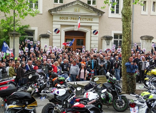 Allier : motards et automobilistes disent non au 80 (...)
