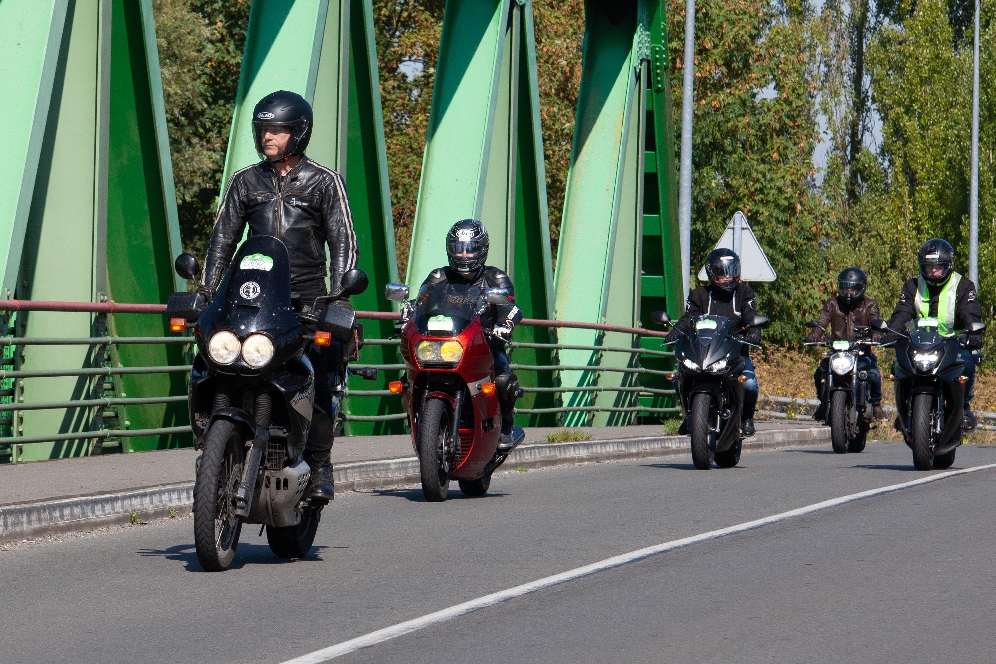 motoblouz days balade moto dans le nord et sous le moto magazine leader de l. Black Bedroom Furniture Sets. Home Design Ideas