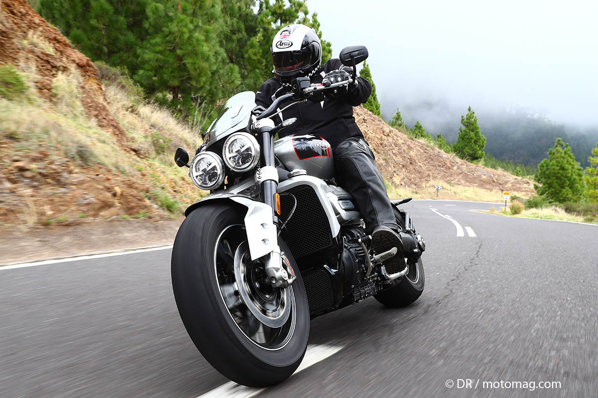 [VIDEO] Essai Triumph Rocket 3 (2020) : la plus grosse (...)