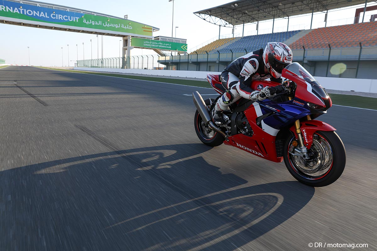 [VIDEO] Essai Honda CBR 1000 RR-R SP Fireblade