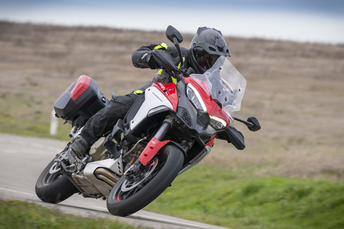 [VIDEO] Essai Ducati Multistrada V4S 2021 : valse sur 4 (...)