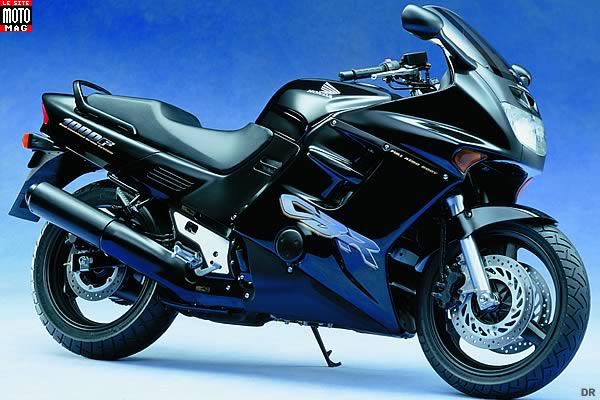 honda 1000 cbr f moto magazine leader de l actualit de la moto et du motard. Black Bedroom Furniture Sets. Home Design Ideas