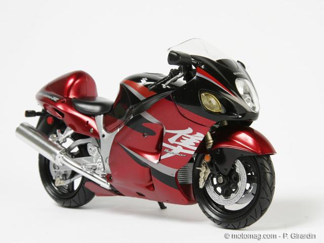 maquette moto suzuki hayabusa. Black Bedroom Furniture Sets. Home Design Ideas