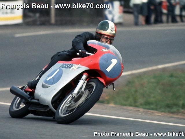 1970 ann e moto de l gende course et rock moto magazine leader de l actualit de la moto. Black Bedroom Furniture Sets. Home Design Ideas