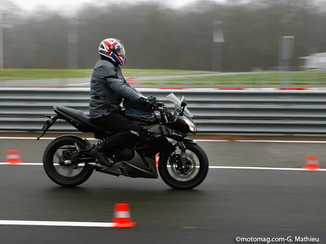 12 plaquettes de frein au banc d'essai Moto Magazine