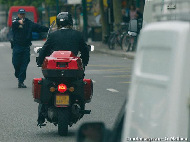 moto pratique amende forfaitaire attention aux moto magazine leader de l actualit. Black Bedroom Furniture Sets. Home Design Ideas