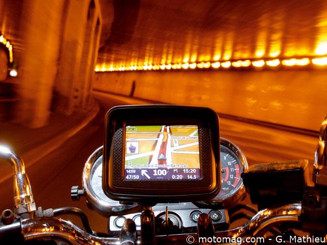 gps auto moto le comparatif moto magazine leader de l actualit de la moto et du motard. Black Bedroom Furniture Sets. Home Design Ideas