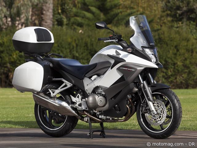 honda vfr 800 x crossrunner moto magazine leader de l actualit de la moto et du motard. Black Bedroom Furniture Sets. Home Design Ideas