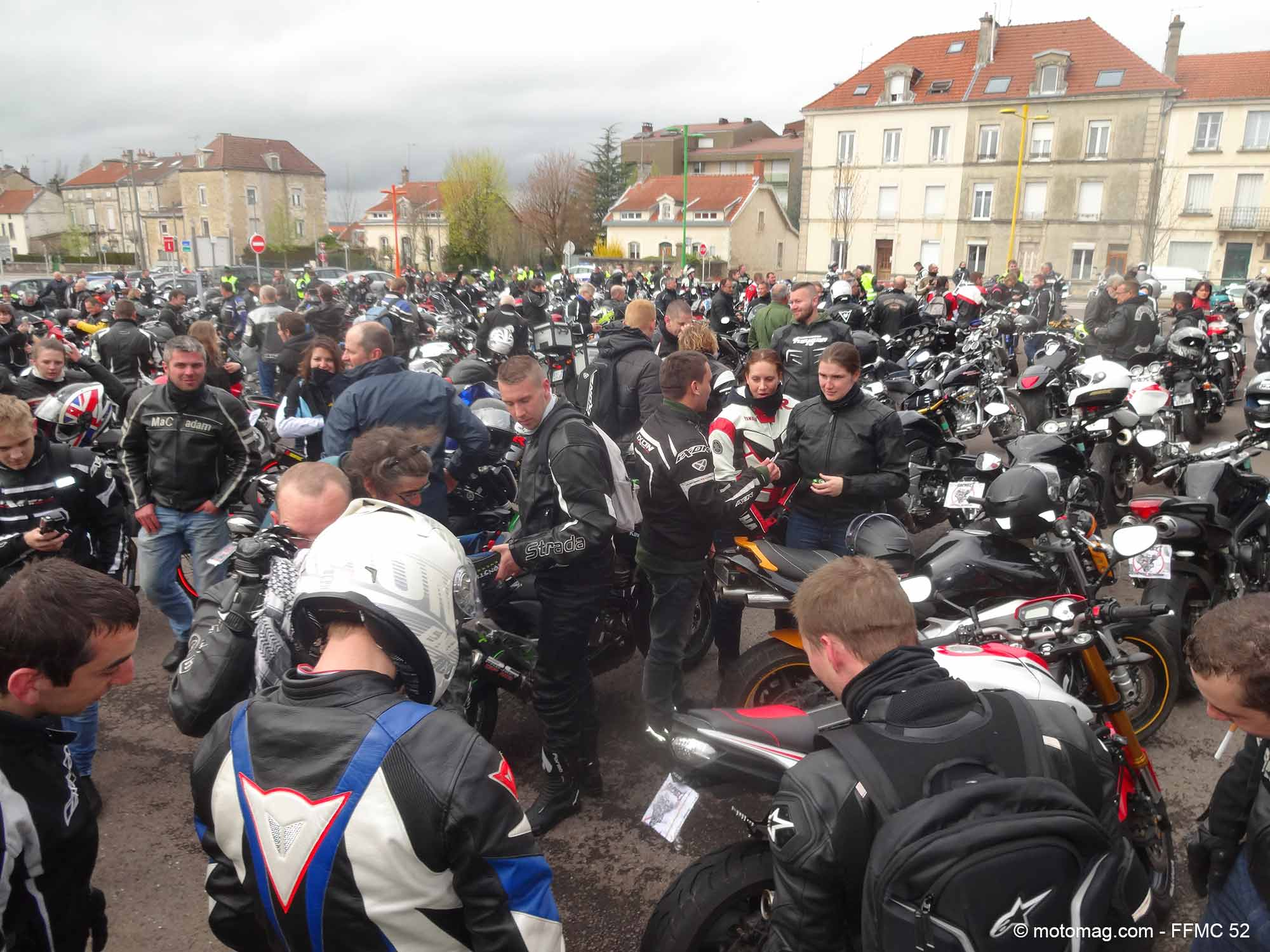 manif ffmc 52 400 motards manifestent chaumont. Black Bedroom Furniture Sets. Home Design Ideas