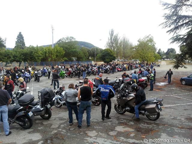 Agen Villeneuve 300 motards en col u00e8re contre le contr u00f4le ( ) Moto Magazine leader de l  # Controle Technique La Ville Du Bois