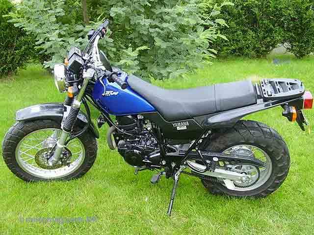 yamaha 125 tw moto magazine leader de l actualit de la moto et du motard. Black Bedroom Furniture Sets. Home Design Ideas