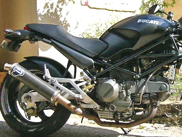 ducati 900 1000 monster moto magazine leader de l actualit de la moto et du motard. Black Bedroom Furniture Sets. Home Design Ideas