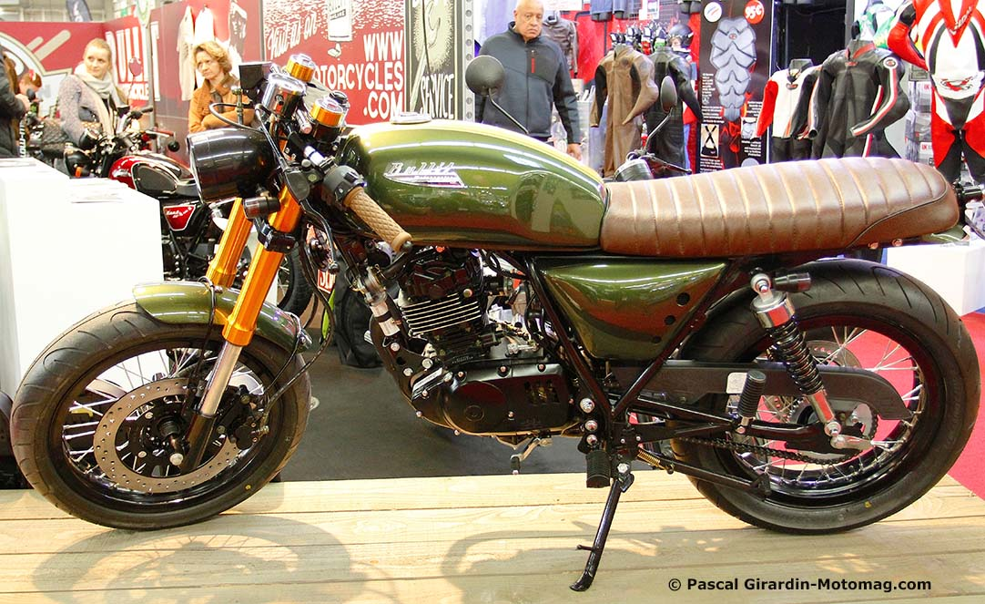 salon moto de paris bullit des vintage populaires la moto magazine leader de l. Black Bedroom Furniture Sets. Home Design Ideas