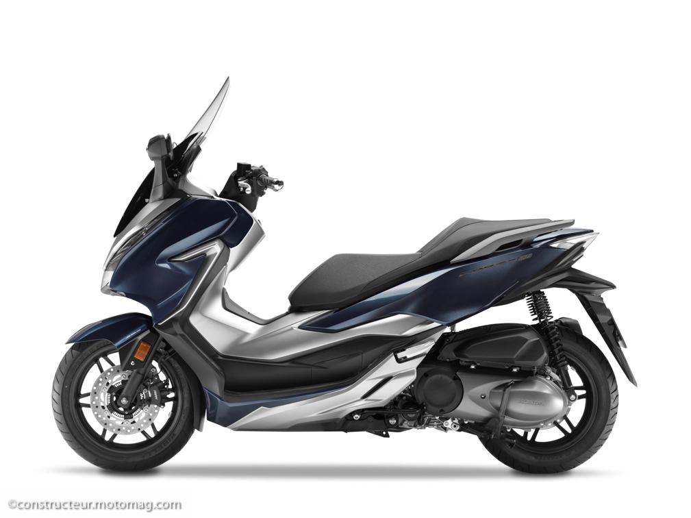 honda forza 300 2018 attaque frontale moto magazine leader de l actualit de la moto et. Black Bedroom Furniture Sets. Home Design Ideas