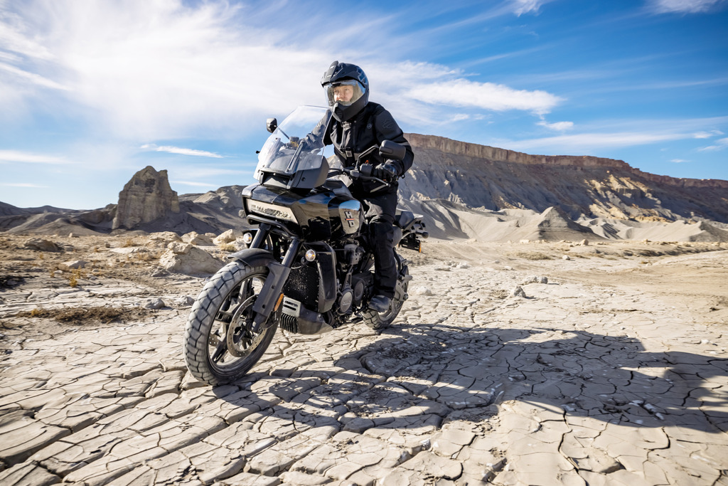 La Harley 1250 Pan America à partir de 15 990 € 201482_pan-am_ra1250_03453