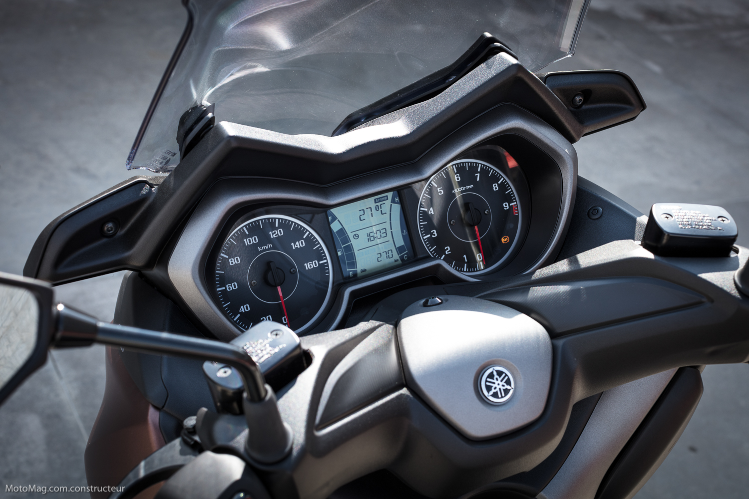 Yamaha X-Max 300 : totale instrumentation