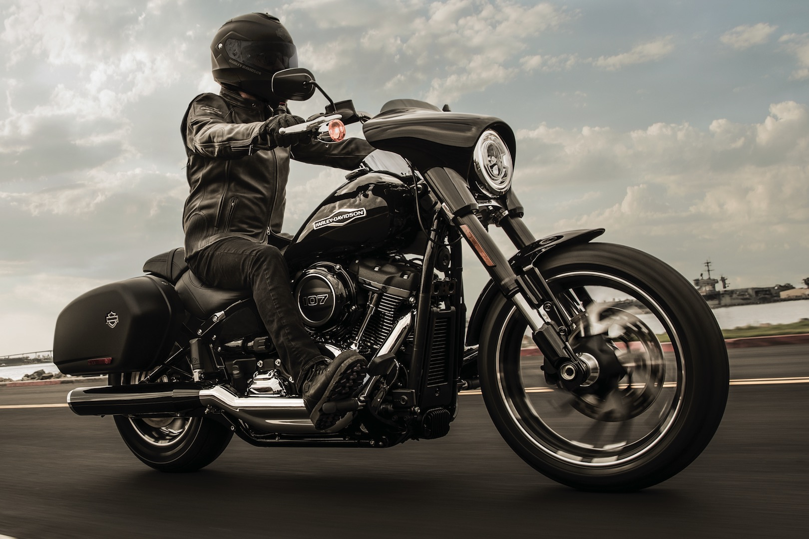 harley davidson softail 107 sport glide essai en moto magazine leader de l actualit. Black Bedroom Furniture Sets. Home Design Ideas