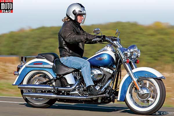 Harley Davidson Softail Heritage  Bleue Et Blanche