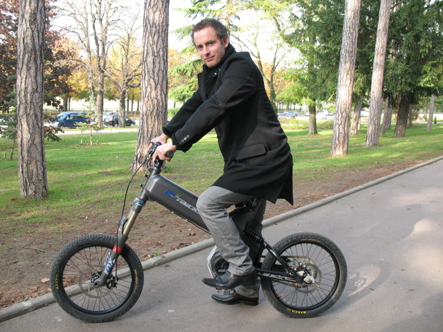 etricks la machine lectrique mi cyclo mi vtt moto magazine leader de l actualit de la. Black Bedroom Furniture Sets. Home Design Ideas