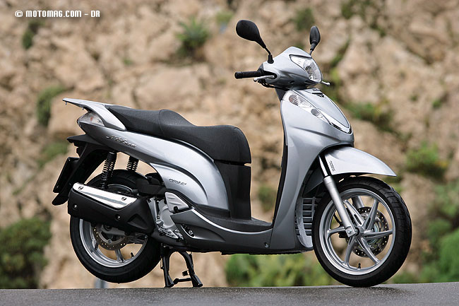 honda sh 300 i moto magazine leader de l actualit de la moto et du motard. Black Bedroom Furniture Sets. Home Design Ideas