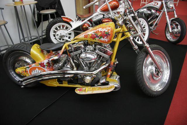 paris le tuning fait son show moto magazine leader de l actualit de la moto et du motard. Black Bedroom Furniture Sets. Home Design Ideas