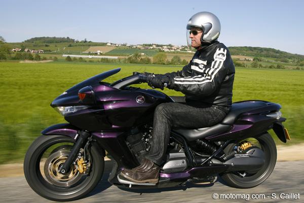 Conduire une moto 500cc
