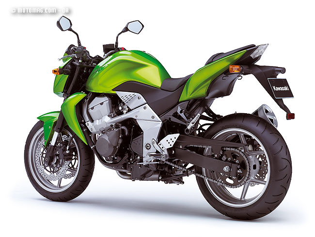 kawasaki 750 z moto magazine leader de l actualit de la moto et du motard. Black Bedroom Furniture Sets. Home Design Ideas